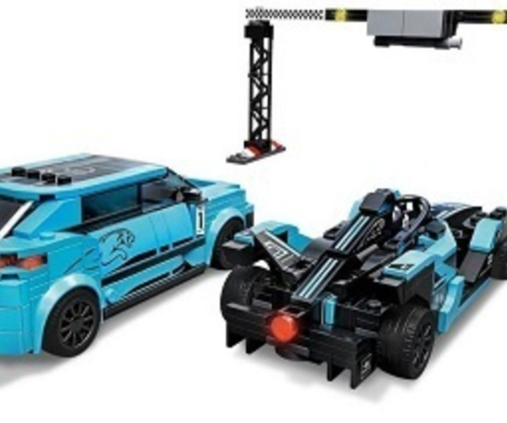 LEGO® 76898 Formula E Panasonic Jaguar Racing GEN2 car & Jaguar I-Pace eTROPHY